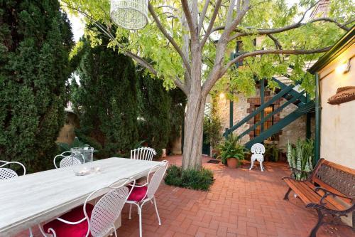 Annie's Victorian Terrace Accommodation Fremantle, Fremantle