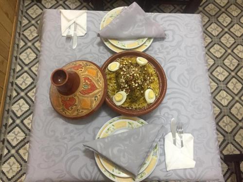 Riad Larache, Larache