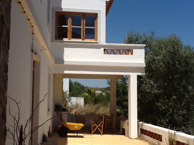House With 3 Bedrooms in Aljezur, With Enclosed Garden - 8 km From the Beach, Aljezur