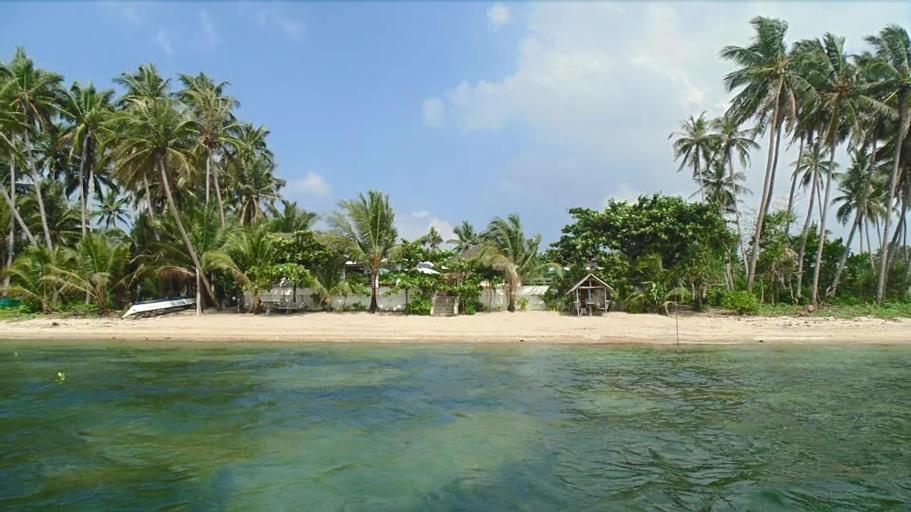 Ucoy Beach Resort, Libertad