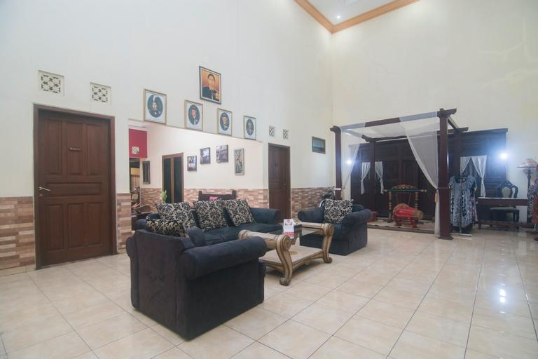 OYO 326 Ndalem Padma Asri Guest House, Yogyakarta