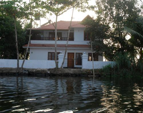 Poonilavu House, Alappuzha