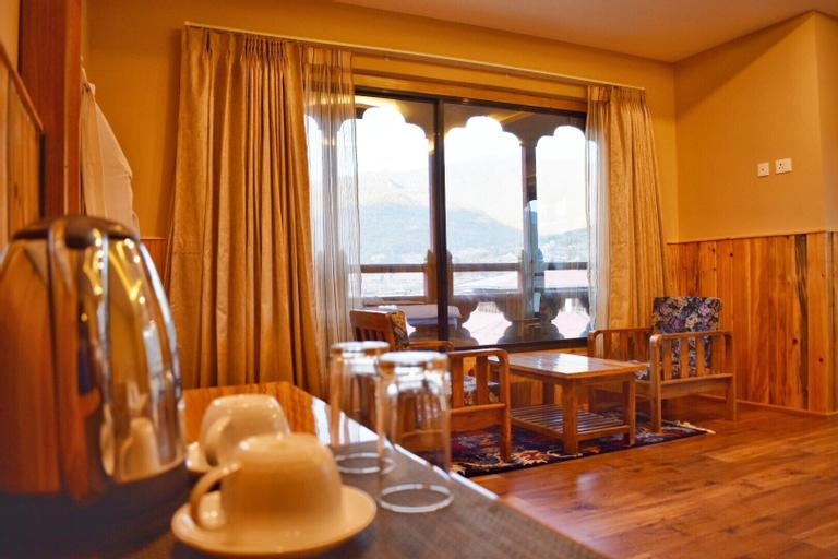 Hotel Pema Yangsel, Dopshari