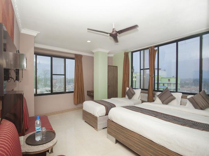 OYO 343 Pop Life Hotel, Bheri