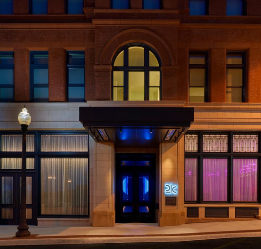 21c Museum Hotel Kansas City, Jackson