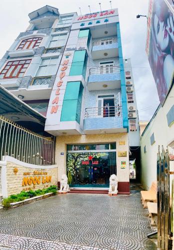 Ngoc Lan Hotel, Long My