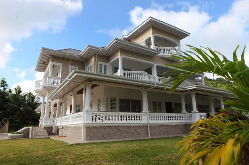 Grann Kaz Guest House,