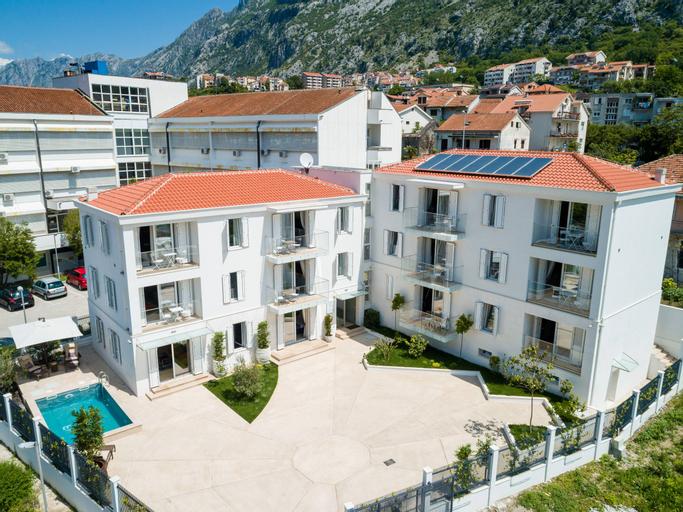 Apartments Maison W,