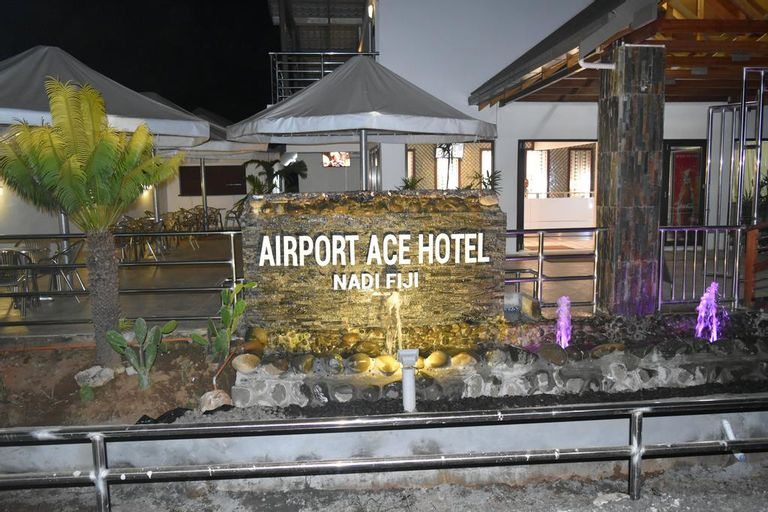 Airport Ace Hotel, Ba