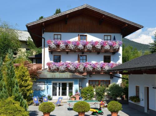 Aparthotel Landhaus Schwaighofer, Hallein
