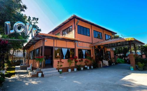 Wun Tawp Garden Hotel, Myitkyina
