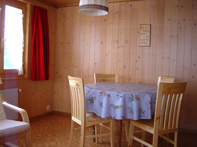 Bauernhaus Uf Dr Flue - Four Bedroom, Frutigen