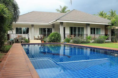 Baan Aroka Pool Villa Sea View, K. Sam Roi Yot