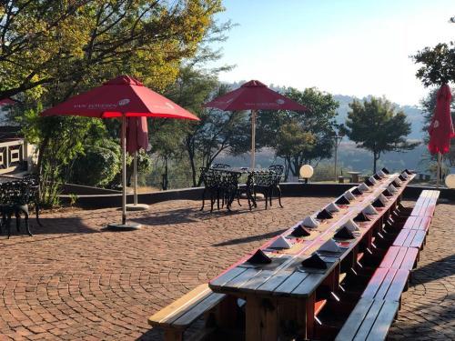 Amanzingwe Lodge Conference Centre & Spa, Bojanala