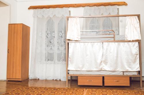 Old Ganja Hostel, Xanlar