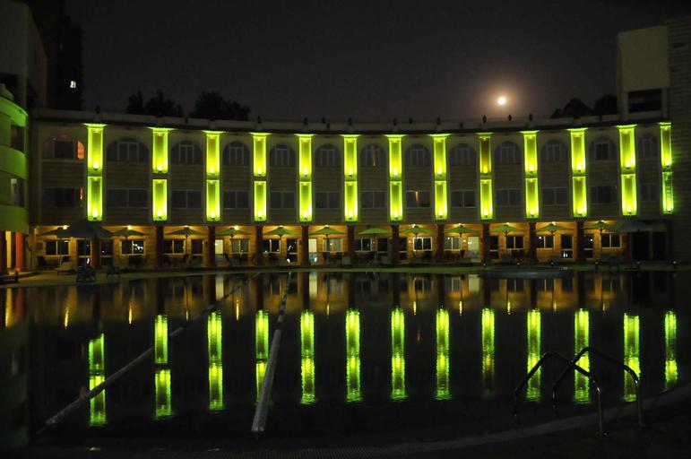 Lamar Hotel, Al-Waili