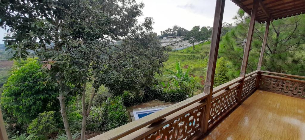 VILLA D'TROY PUNCLUT, Bandung