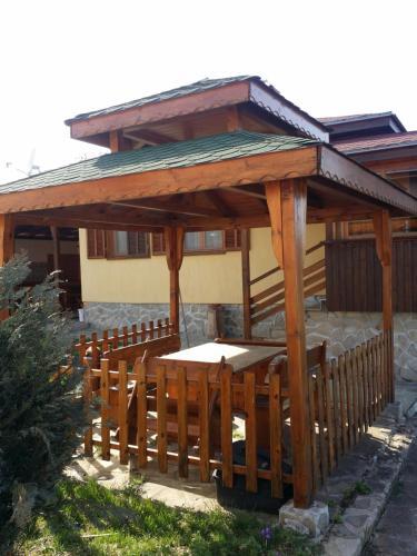 Villa Toni, Rakitovo