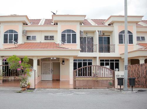 Marlina Holiday Home Seri Manjung, Manjung