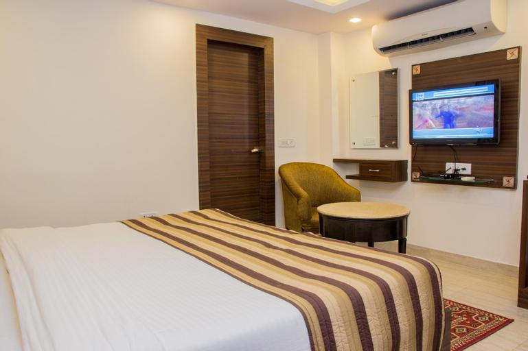 Hotel Pawan Plaza, West