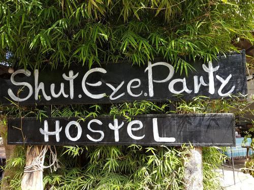 Shut Eye Party Hostel, Pai