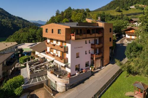 Hotel Pension Sonnegg, Bolzano