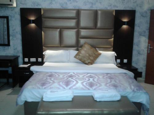 Prenox Hotel And Suites, Ikpoba-Okha