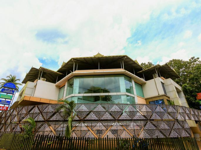 OYO 22050 Aramana Hotel, Ernakulam