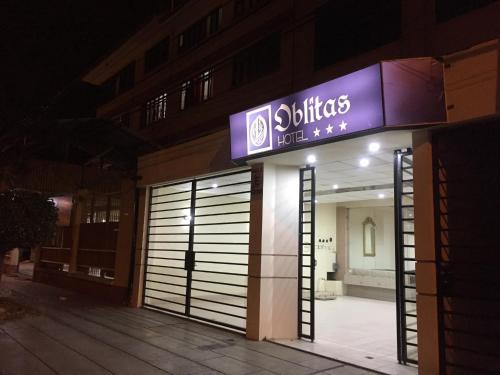 Hotel Oblitas, Cercado