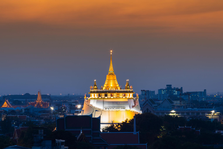 HI Bangkok, Dusit