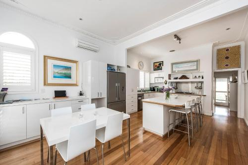 The Orient Beach House, Fremantle