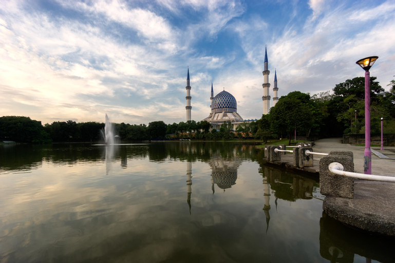 Trefoil Setia City Condostay, Kuala Lumpur