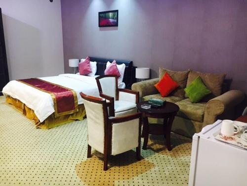 Golden Suite,