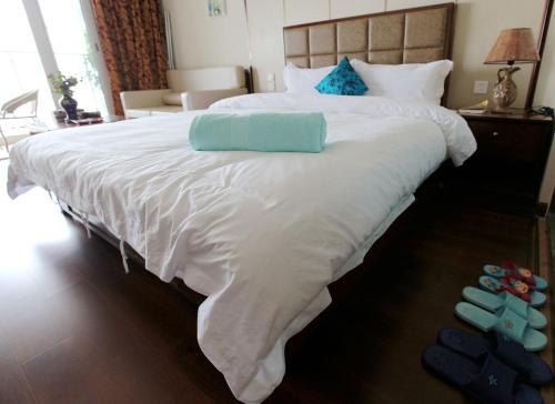 Shallow Bay Sea View Apartment, Huludao