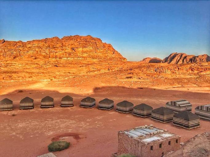 Wadi Rum Bedouin Tour with a Camp, Aqaba