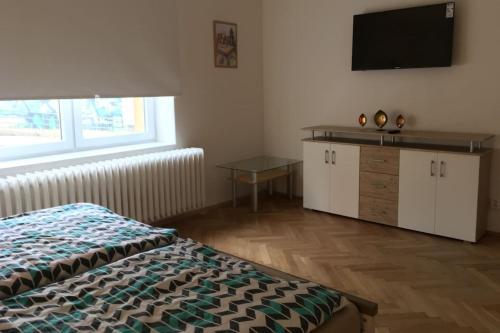 Two Room Apartment V Korytech, Praha 10