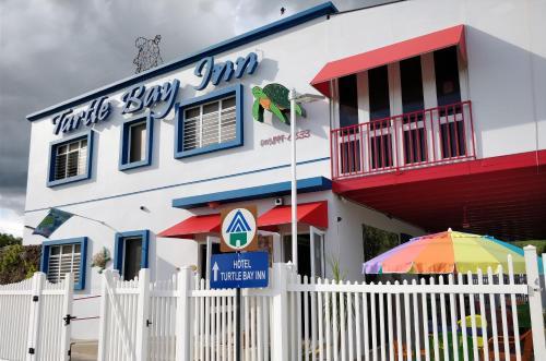 Parador Turtle Bay Inn,