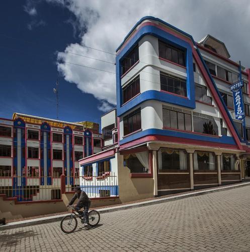 Hotel Paraiso del Lago, Manco Kapac