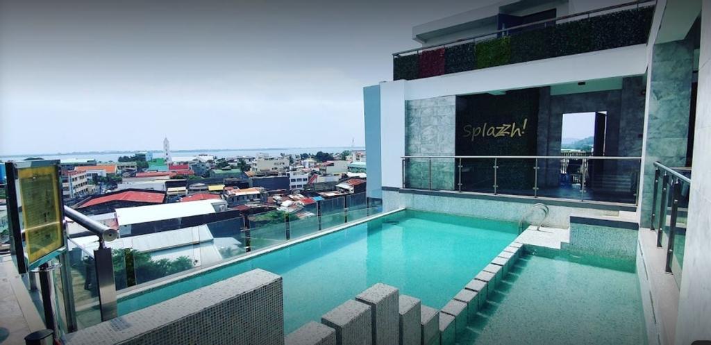 Hotel XYZ, Tacloban City