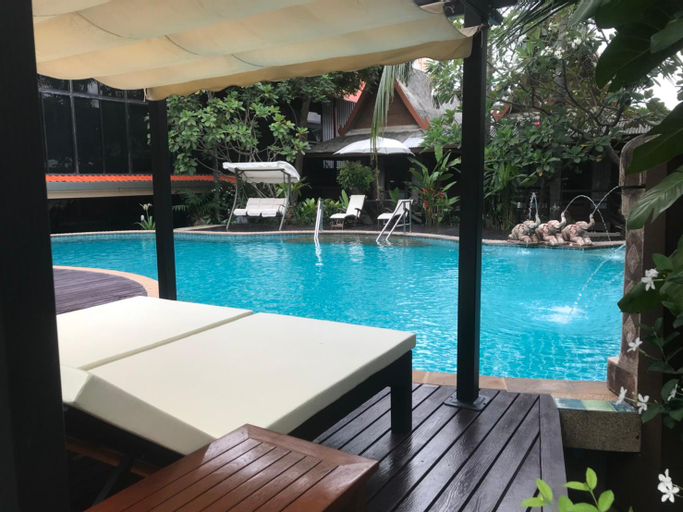 The Imperial Home Hotel, Lak Si