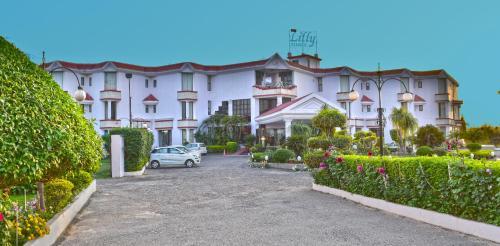 The Grand Lilly Resorts, Kapurthala