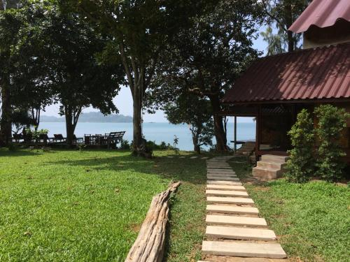 Starlight Beach Resort, Muang Ranong