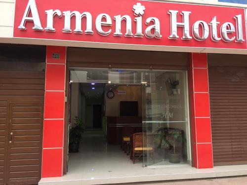 Armenia Hotel, Cercado