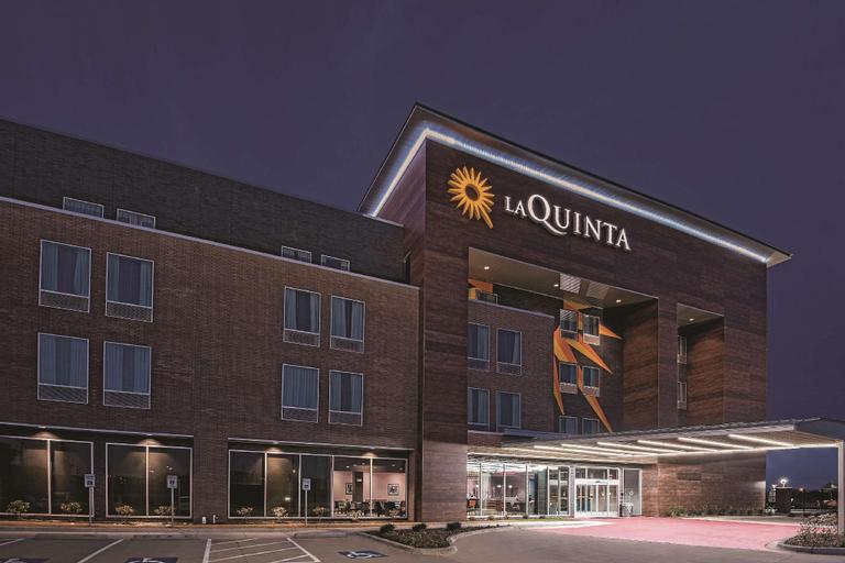 La Quinta Inn & Suites Dallas Grand Prairie North, Dallas