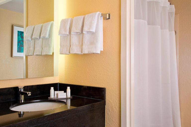 Fairfield Inn & Suites by Marriott Orlando Lake Buena Vista, Orange