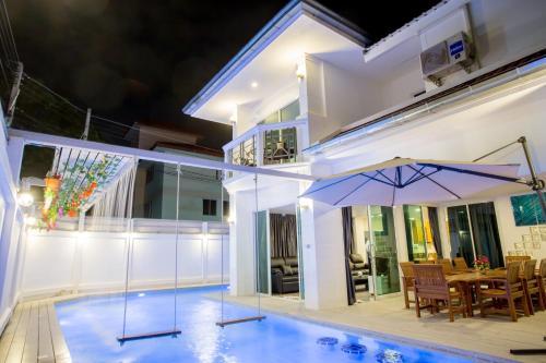 Jomtien Pool Villa Pattaya by Kim, Bang Lamung