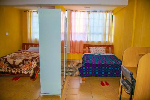 Stayokay Hostel, Nyaribari Chache