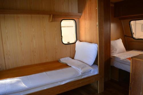Camping Livadista,