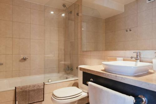 M&M Providencia Suites, Santiago