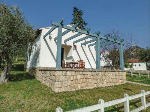 Two-Bedroom Holiday Home in Salto de Saucelle, Freixo de Espada à Cinta